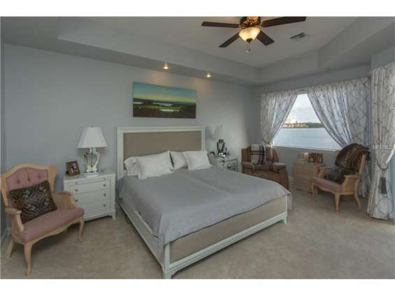 Extremely beautiful, lake front 2 bedroom