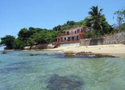 Beachfront vacation home rental- sleeps 10