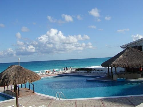 Cancun only $230.00 a week for 4 people