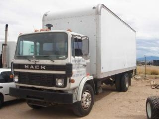 Used 1989 mack midliner cs200 medium duty truck for sale