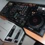 2x Pioneer Nexus Pro Cdj-2000 Cd Players +Pioneer DJ DJM-900 Nexus (4-Ch Pro DJ Mixer)